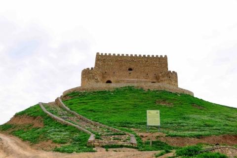 The Fortress of Banaman)Khanzad(