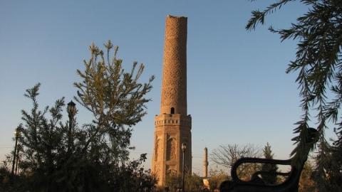 Muzaferiyah Minaret (Choly Minaret)